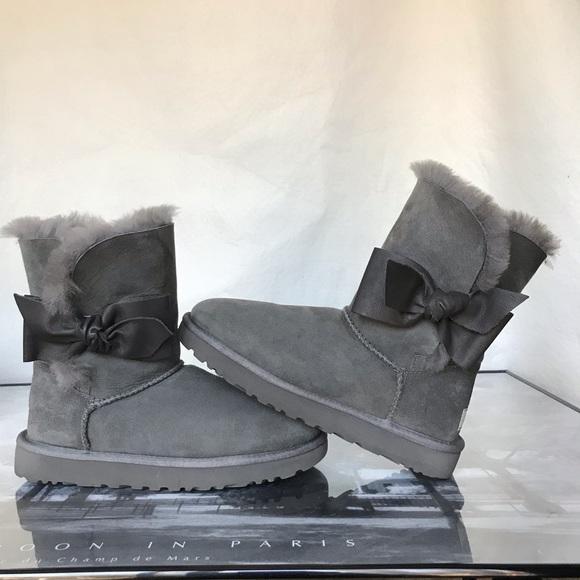 d65a4b1fa55 Ugg Daelynn Boots Grey size 6 women's